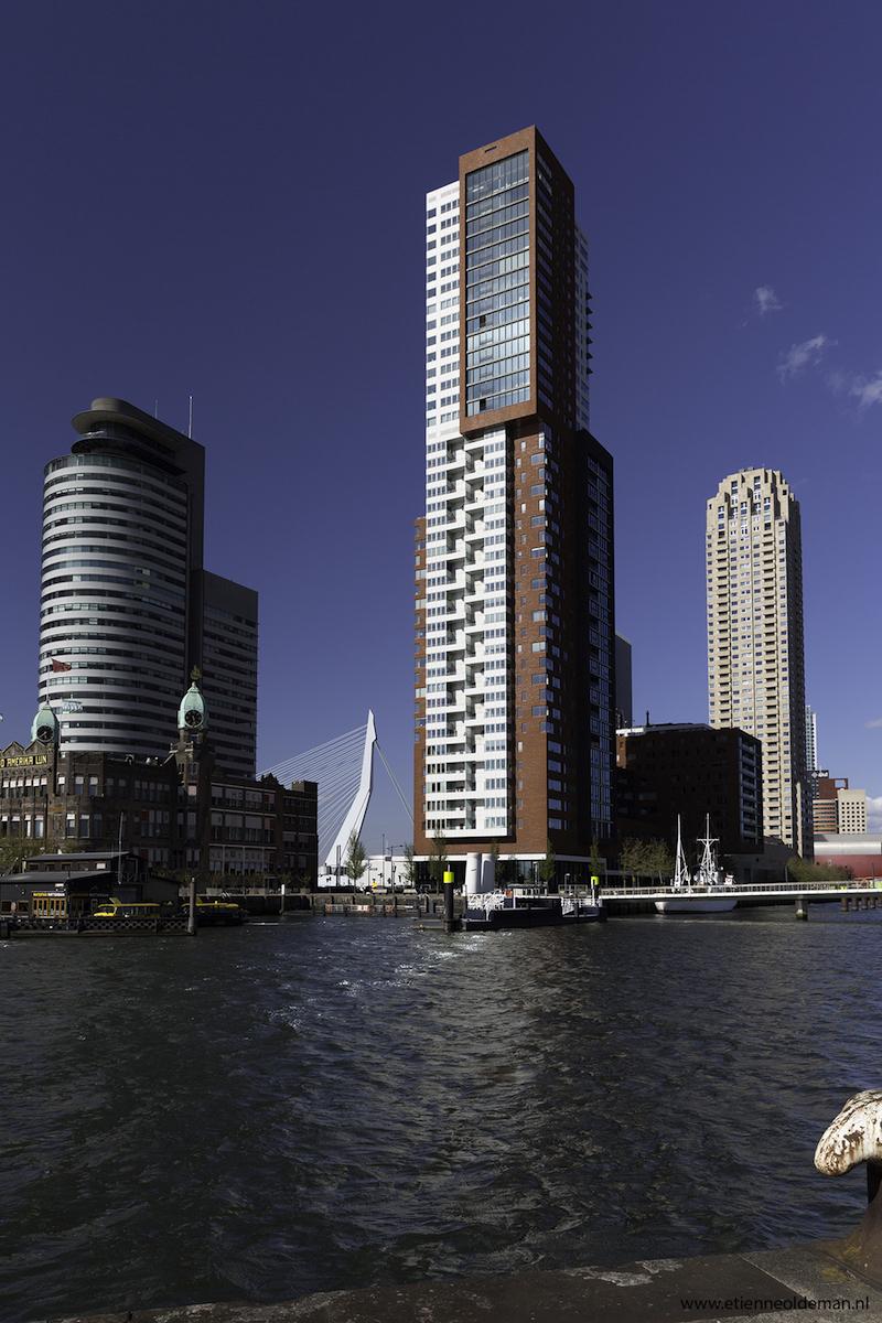 Rotterdam, Kop van Zuid met Hotel New York, Montevideo en Erasmusbrug
